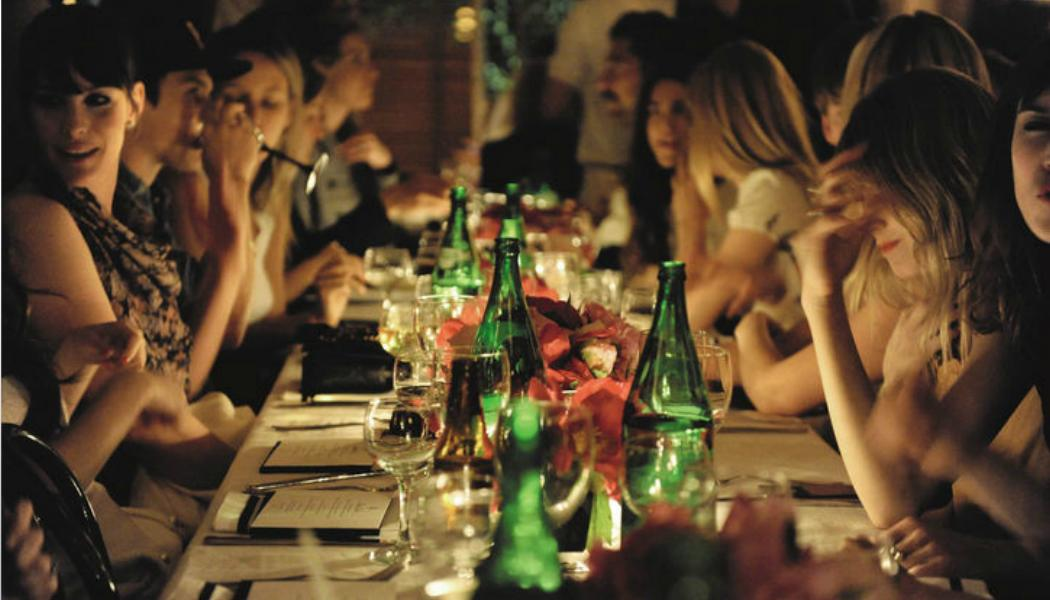 friends-dinner-indulgence-glamour.com